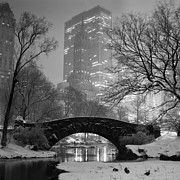 Union Square Posters - Gapstow Bridge and Snow Poster by Randy Lemoine