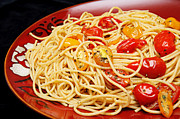 Spaghetti Noodles Photo Prints - Garlic Pasta And Grape Tomatoes Print by Andee Photography