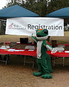 Sandy  Smith Distel - Gecko Helps Fight ALS