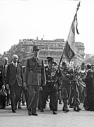 Famous People Photos - General Charles de Gaulle by Underwood Archives