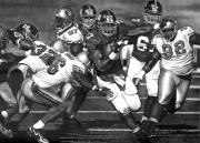 Football Drawings Metal Prints - Giants Metal Print by Jerry Winick