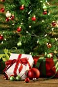 Sandra Cunningham - Gifts under the Christmas tree