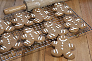 Rack Photos - Gingerbread Man Cookies by Juli Scalzi