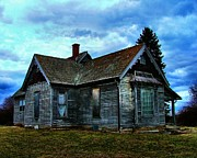 Old Houses Photos - Glory Days Gone By by Julie Dant