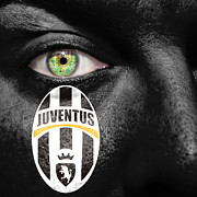Signora Prints - Go Juventus Print by Semmick Photo