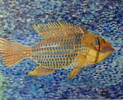 Tropical Fish Paintings - Gold fish by Elle Alves