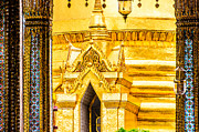 Asien Posters - Golden Chedi - Temple of the Emerald Buddha Poster by Colin Utz