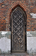 Medieval Entrance Posters - Gothic door. Poster by Fernando Barozza