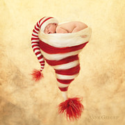 Hat Art Prints - Grace 4 weeks Print by Anne Geddes