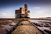 Chatham Prints - Grain Tower battery. Print by Ian Hufton
