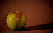 Seimagesonline Prints - Granny Smith Print by Sharon Elliott