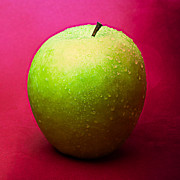 Green Apple Whole 1 Print by Alexander Senin