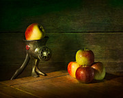 Apples Art - Grinder by Ian Barber