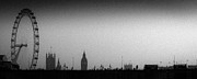 London Skyline Art - Gritty Thames vista by Gary Eason