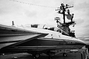 Manhaten Prints - Grumman F14 Tomcat on the flight deck of the USS Intrepid at the Intrepid Sea Air Space Museum Print by Joe Fox