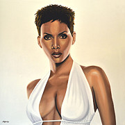 Halle Berry Framed Prints - Halle Berry Framed Print by Paul  Meijering
