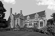 Hamline University Giddens Alumni Center Print by University Icons