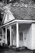 Old School House Photos - Hampton Plantation House by John Rizzuto