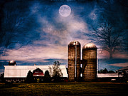 Barns Digital Art - Haunting Moon Over the Barn by Pamela Phelps