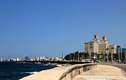 Malecon Prints - Havana 46 Print by Andrew Fare