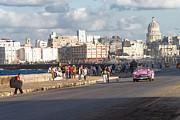 Havanna - Malecon Print by Juergen Klust