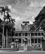 Lili Photos - Hawaiis Iolani Palace in BW by Craig Wood