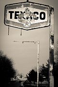 Off The Beaten Path Photography - Andrew Alexander - Highway 41 Texaco