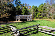 Smokey Mountain Drive Photos - Historical Cantilever Barn at Cades Cove Tennessee by Kathy Clark