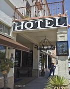 Allen Sheffield - Holland Hotel