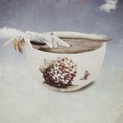 Porcelain Prints - Hot Bath Print by Joana Kruse
