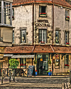 Greg Matchick - Hotel Central in Beaune...