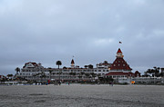 Hotel Del Coronado Framed Prints - Hotel Del Coronado At Dusk Framed Print by Viktor Savchenko