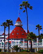 Coronado Beach Framed Prints - Hotel Del Framed Print by Ron Regalado