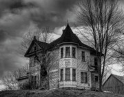 Old House Photo Metal Prints - House On The Hill Metal Print by Thomas Young