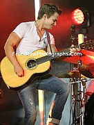 Front Row  Photographs  - Hunter Hayes