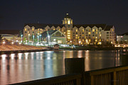 Hyatt Hotel Prints - Hyatt Regency Chesapeake Bay Print by Craig Caldwell