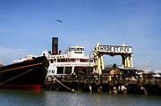 Kasia Dixon - Hyde St. Pier