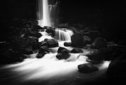 An  Pham - Icelandic Waterfall