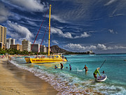Diamond Head Framed Prints - Idyllic Waikiki Beach Framed Print by David Smith