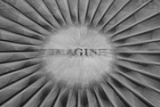 Lennon Art - Imagine zoom by Garry Gay