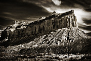Antique Look Digital Art - Imposing Merrimac Butte by Gary Cain