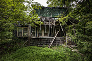 Abandoned House Prints - It was once Christmas here Print by Gary Heller