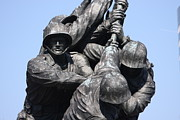 Raising Prints - Iwo Jima Memorial - 12124 Print by DC Photographer
