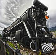 Gregory Dyer - Jasper National Park - Train