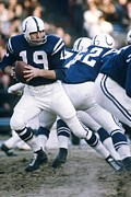 Colts Prints - Johnny Unitas in action Print by Sanely Great