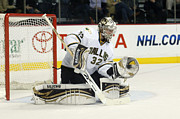 Goaltender Metal Prints - Kari Lehtonen Metal Print by Don Olea