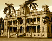 Award Photo Originals - King Kamehamehas Palace  by Esther  Pridgen