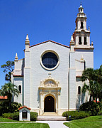 Diana Sainz - Knowles Memorial Chapel...