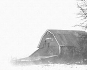 E Black Drawings Prints - Kraus Barn  Print by Rosemarie E Seppala