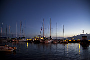 Terry Hollensworth-Rutledge - Lahaina Harbor At Dusk